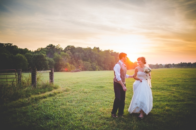 Simple and Cute Arkansas Wedding in September